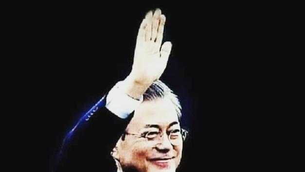 <한계레=홍세화 컬럼> 우리 대통령은 착한 임금님... 광화문의 촛불정부 탄생