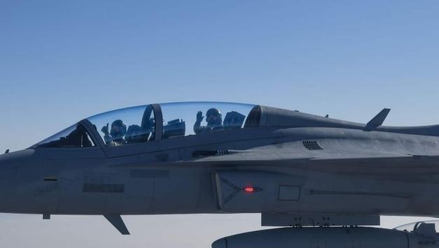 문재인 대통령, 20일 대한민국 국군통수권자의 최초로 국산 전투기 타고 임무 비행했다고 밝혔다!